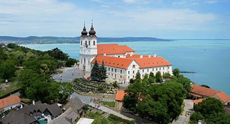 Hungary Lake Balaton Tour with Tihany, Balatonfured and Nagyvazsony castle
