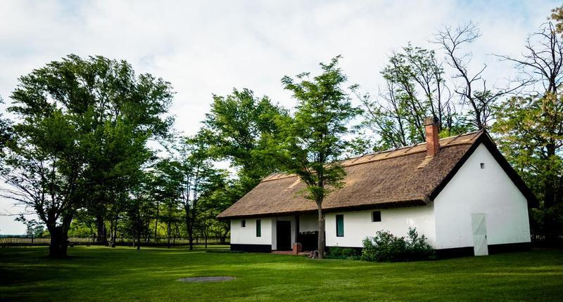 Rustic_country_guest_houses_in_bugac