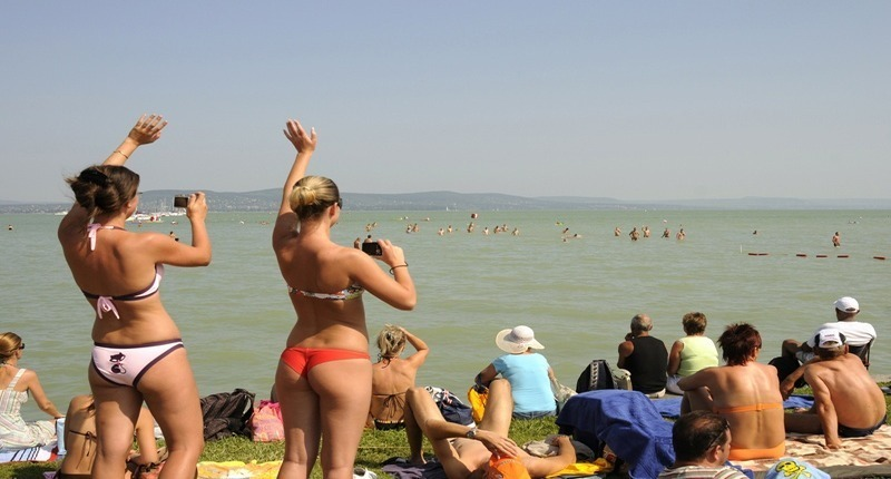Balaton-crosswimming-hungary3
