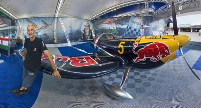 Red_bull_air_race_hungary_bessenyei_peter