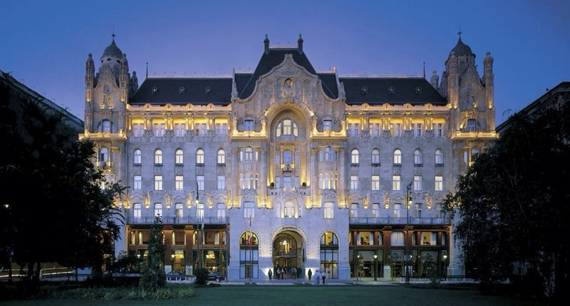 Four_seasons_hotel_gresham_palace_budapest_hungary_4
